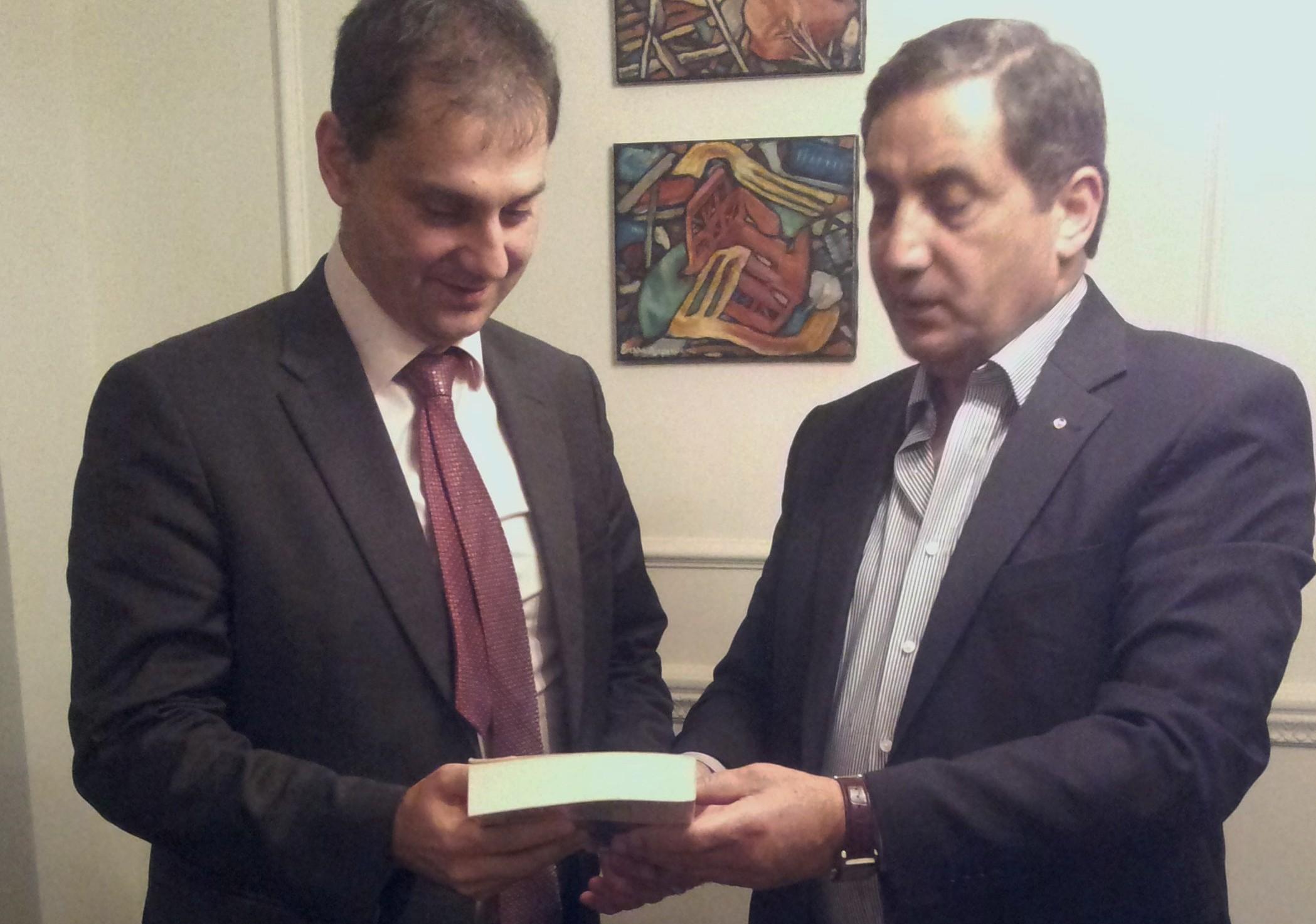Συνάντηση με τον Πρέσβη της Ιορδανίας κ . Fawwaz Eitan